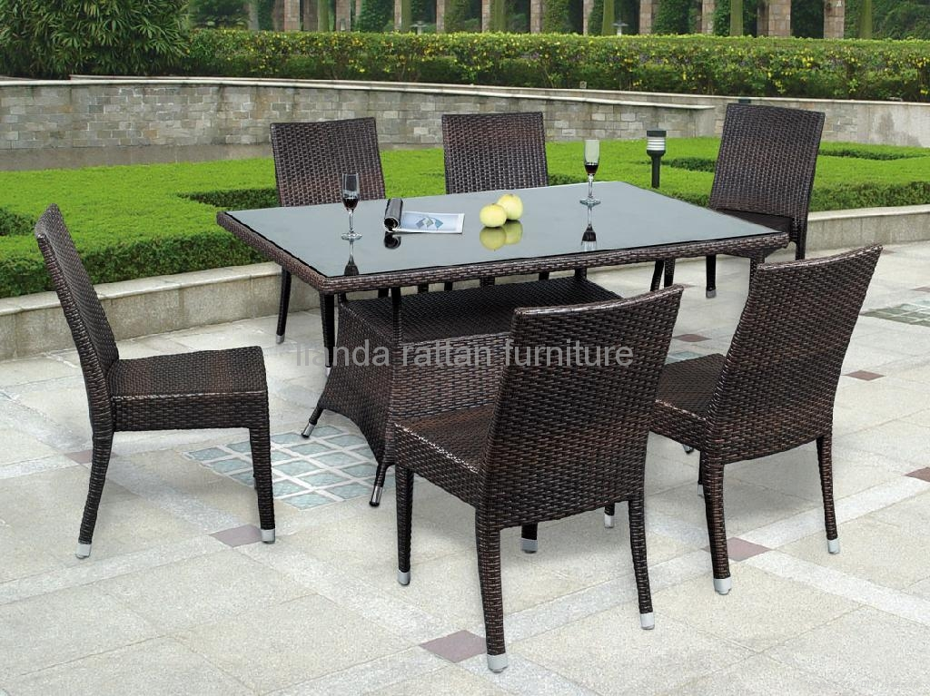 outdoor wicker dining table and chairs 2