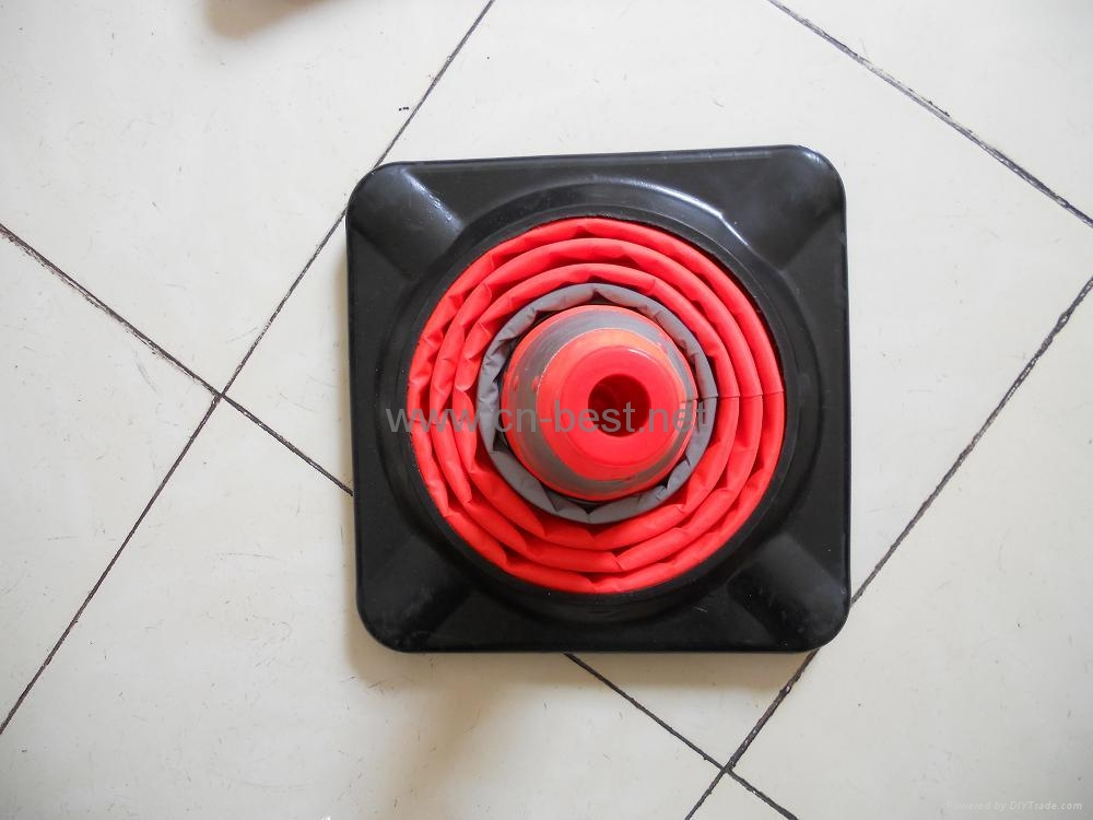 Traffic cone(rubber base) 3
