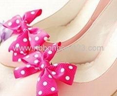 printed polka dot grosgrain shoe toe bow