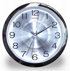Aluminium dial quartz clock