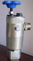 防凍式定壓放氣采油組合裝置