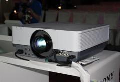 SONY索尼VPL-F400X投影機
