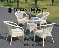 PE藤桌椅