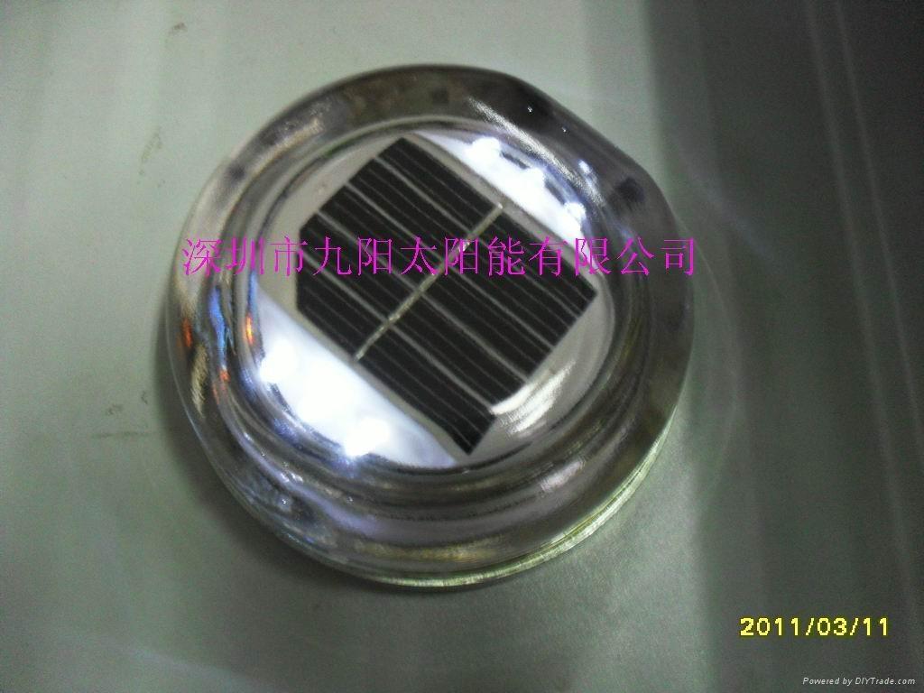 太阳能LED玻璃道钉 1