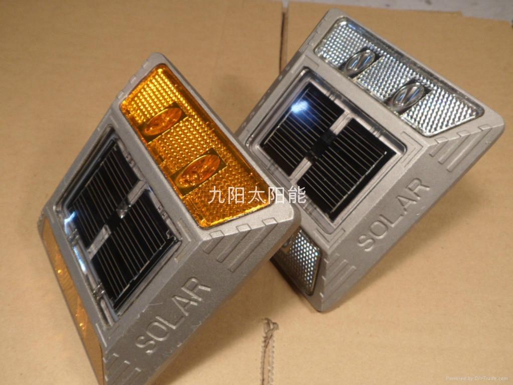 铸铝太阳能道钉 1