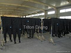 干式潜水衣