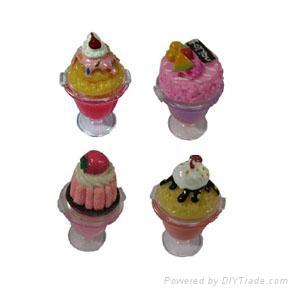 Cup cake lip gloss 2