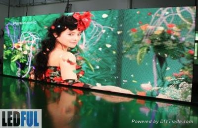P7.62mm Indoor Full Color LED Display of Best Viewing Distance 6m 1