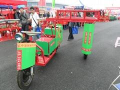 三輪騎跨是中耕噴藥機