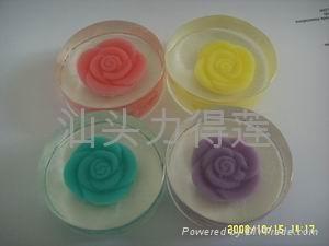 供應高品質手工內嵌玫瑰禮品皂 5