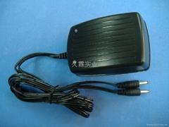 供应厂家直销7.4V聚合物锂电池8.4V750MA2路充电器