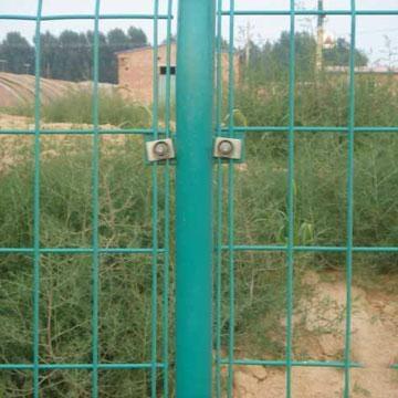 双边丝护栏 1