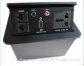 桌面彈起式插座