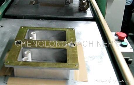 高周波柔软线胶盒压线机 4