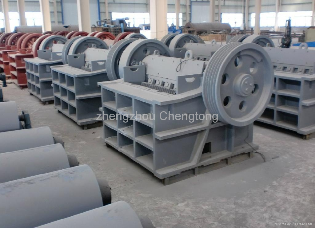 Jaw crusher PE 900x1200 3