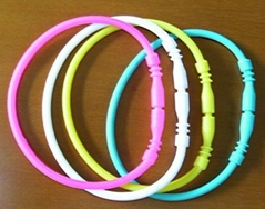 Silly Charm Shape Silicone Rubber Bracelet Bands with Rings