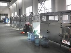 飲用水全自動灌裝機