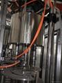 飲用水全自動灌裝機 5