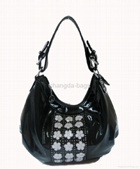 黑色漆皮镶钻珠花欧美时尚女包