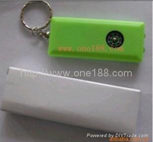 太阳能塑料挂件手电筒 4
