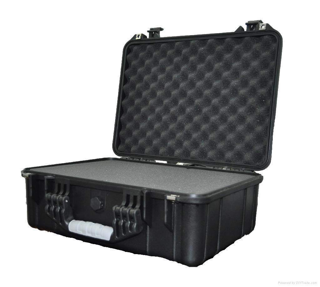 Hard_plastic_carrying_case_shipping_case.jpg