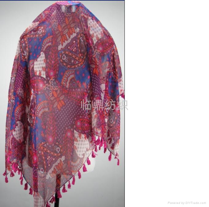 供应多种时尚流行图案印花围巾 1