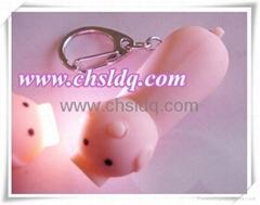 小猪造型发光钥匙扣