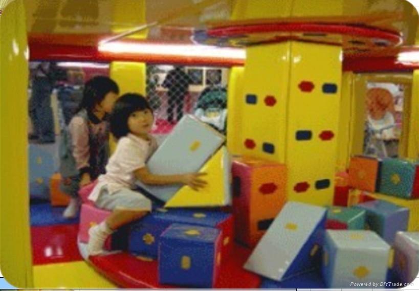 廠家直銷新型淘氣堡儿童遊樂園~遊藝設施軟體積木轉盤 1