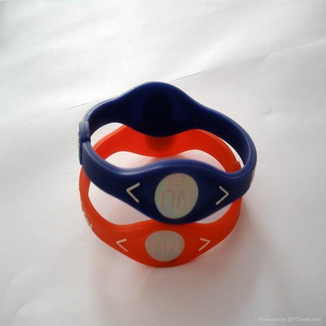 Fashion design energy silicone bracelet 2011 hot sell 3