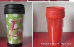 Double wall plastic paper inserting mug