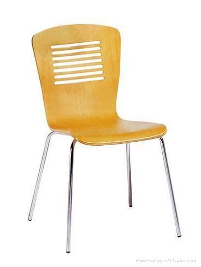 曲木椅 3