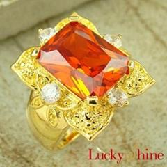 桔红石戒指