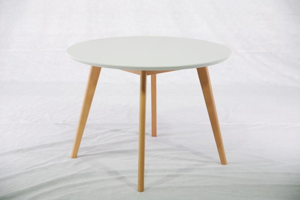 Beech round solid wood dining table dt 1005 modern for Solid wood round dining room table