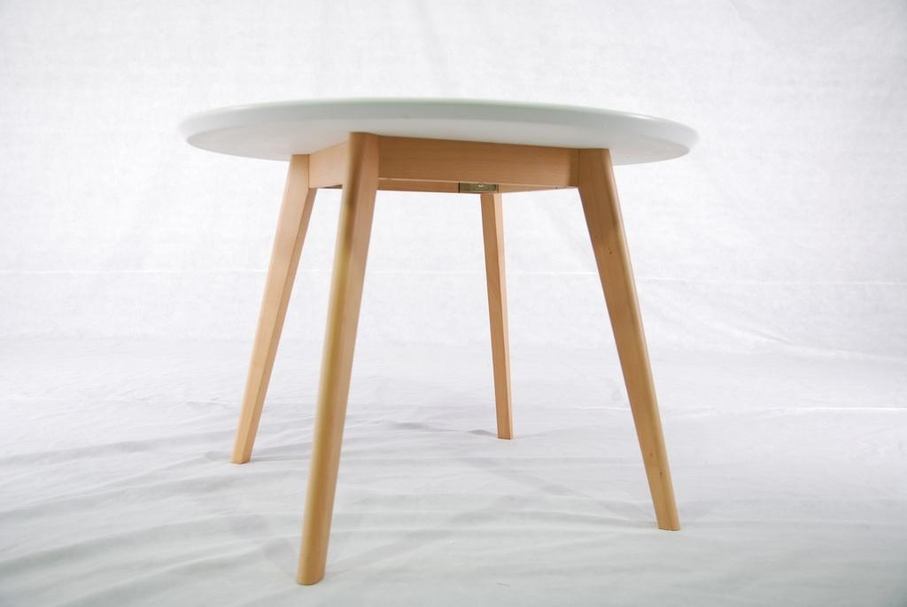 Perfect Modern Round Wood Dining Table 1024 x 685 · 106 kB · jpeg