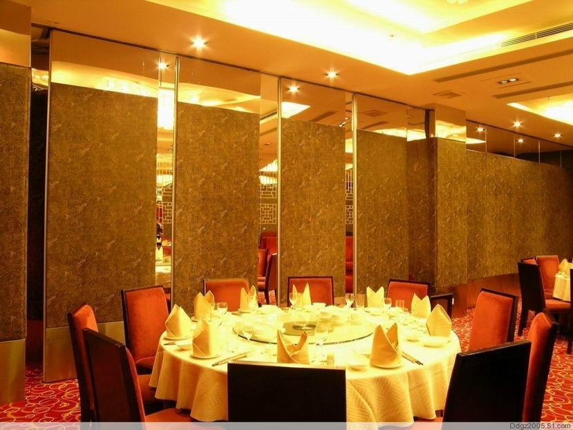酒店玻璃卫生间效果图新闻 卫生间装修效果图大全 卫生间拉门玻璃效高清图片