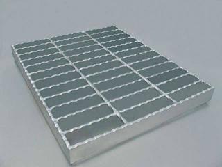 超峰鋸齒鋼格柵板 1