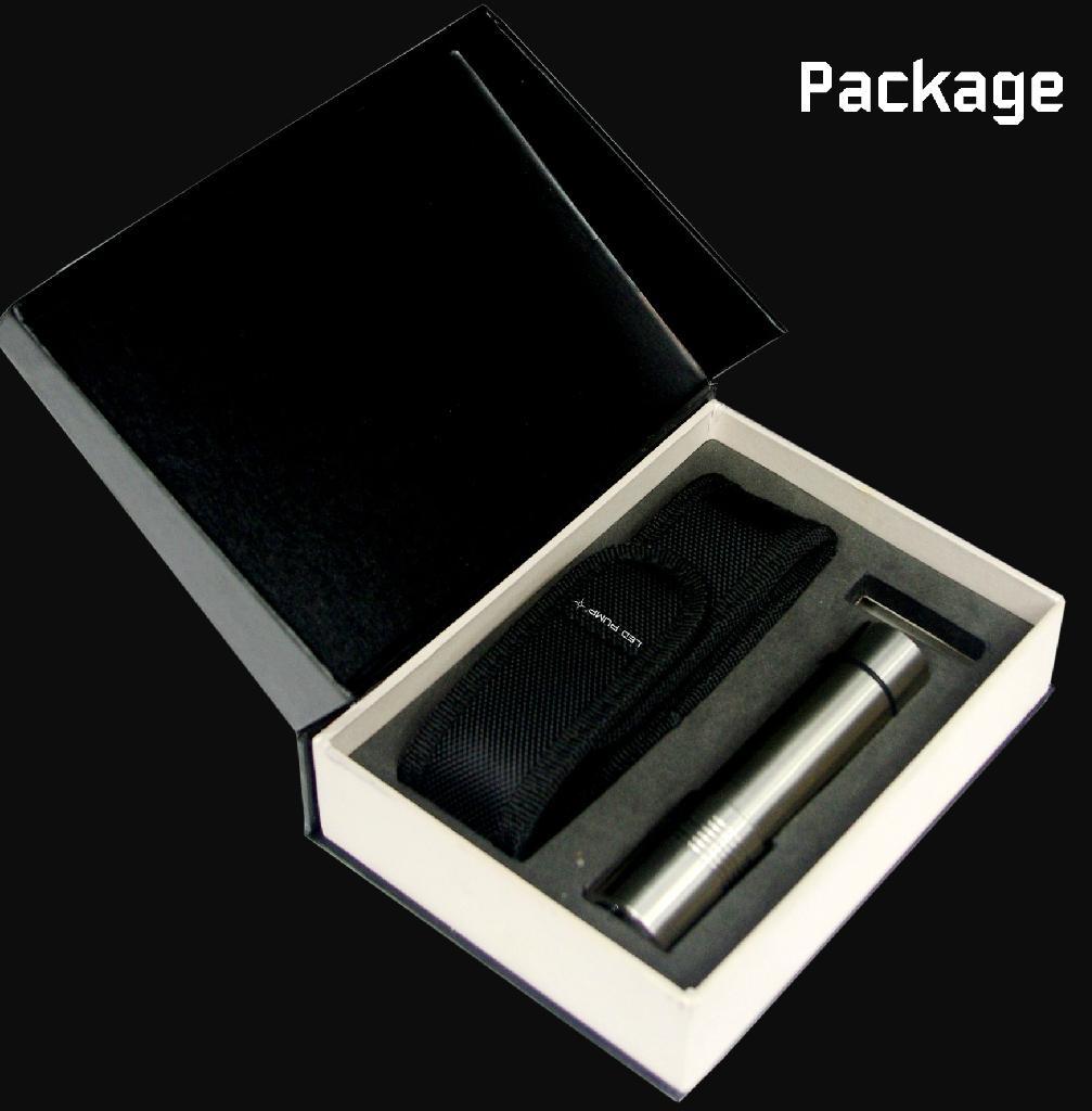 3×AAA 不鏽鋼手電筒 4