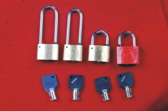 優質德利表箱鎖 1