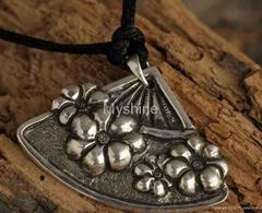 2012 trendy antique silver pendant jewelry