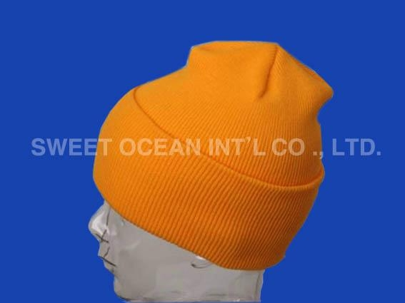 Knitted hat 1