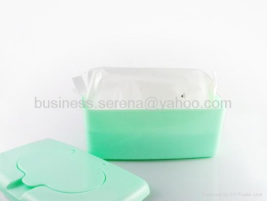 canister packed wet wipes 1