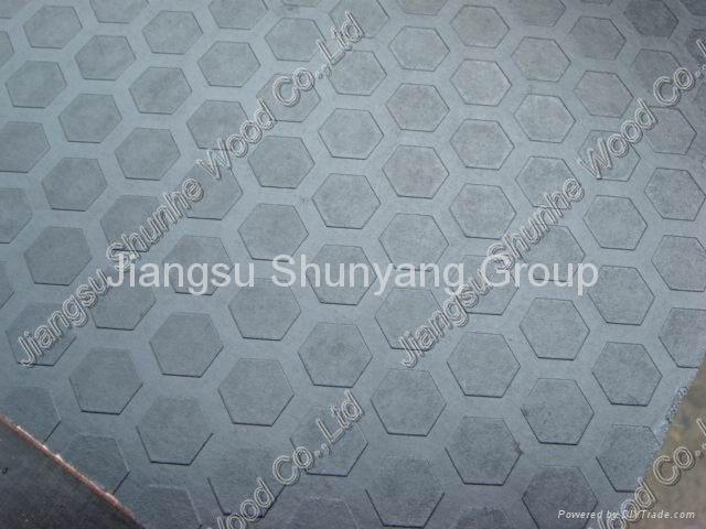 防滑覆膜模板 1