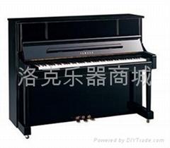 雅马哈 钢琴YU121D