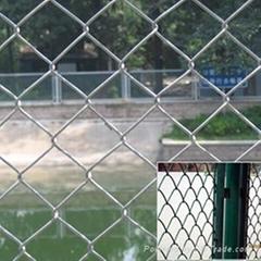 供应勾花护栏网,好的护栏创造好的邻居