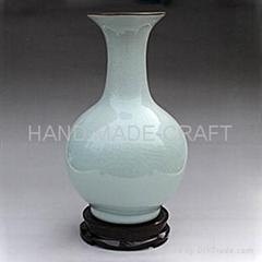 Crackled modelled after an antique ceramic vase