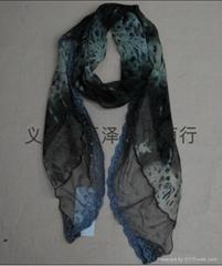 寬花邊圍巾