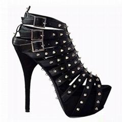 black strappy tudded leather platform sandals