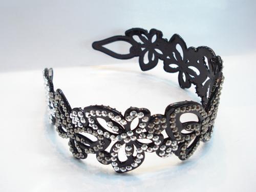 plastic headband with cute crystal diamond 1