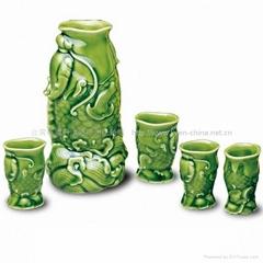 鰲魚酒器(綠釉)1壺6杯