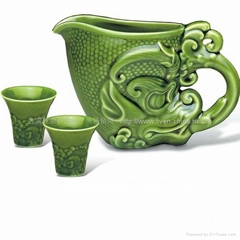 龍首酒器(綠釉)1壺6杯
